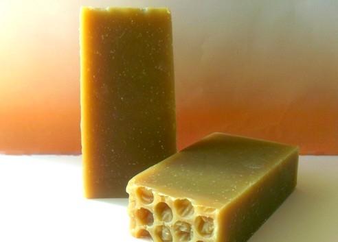 Caresse de Miel - Savon à froid au lait d'ânesse et miel