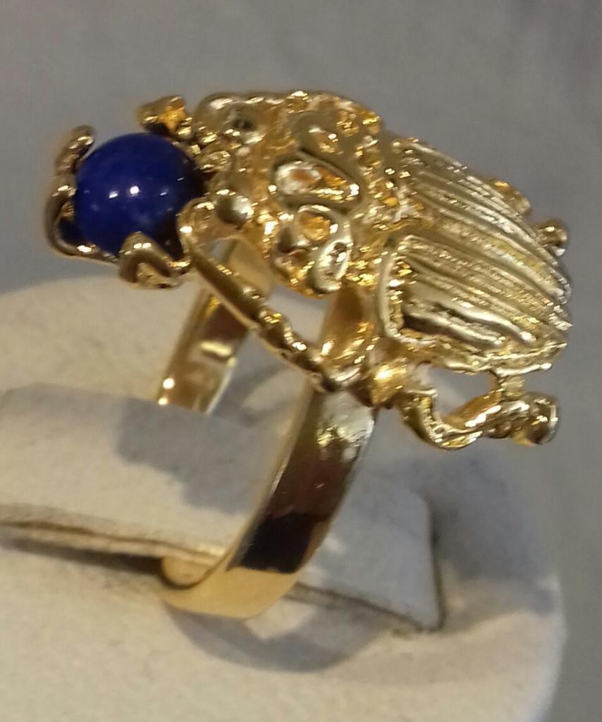 Bague réglable scarabée et pierre Lapis Lazuli plaqué or