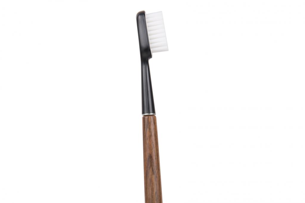 Brosse à dent écologique en bois de Noyer Poils MEDIUM