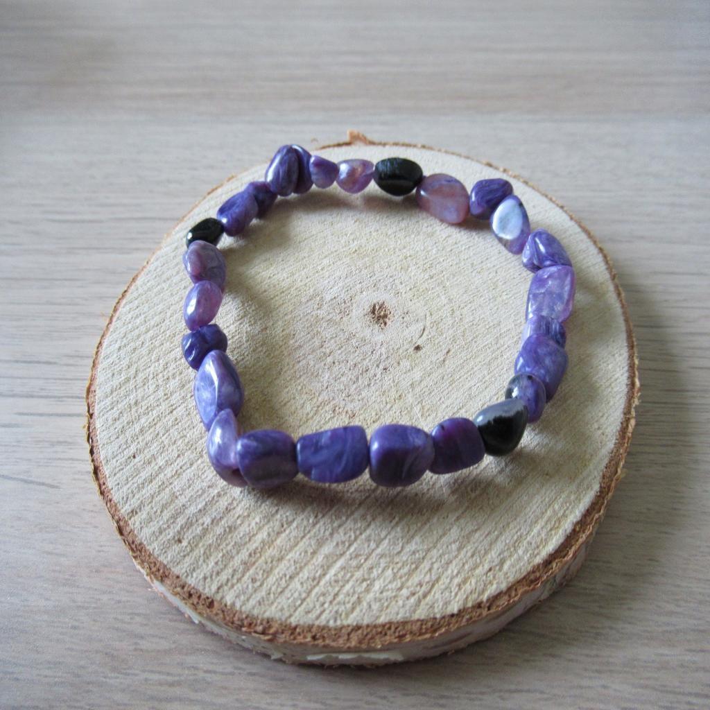 Bracelet en pierre de Charoite