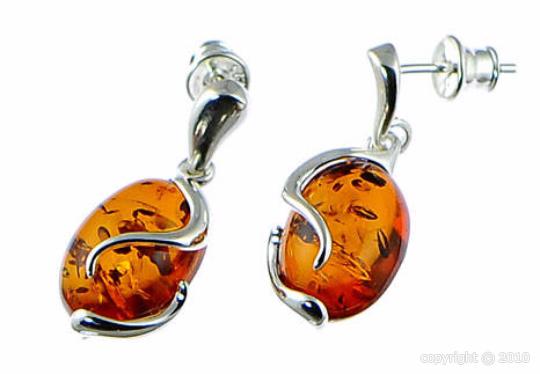 Boucles d'oreilles en ambre cognac sur argent 925 rhodié.