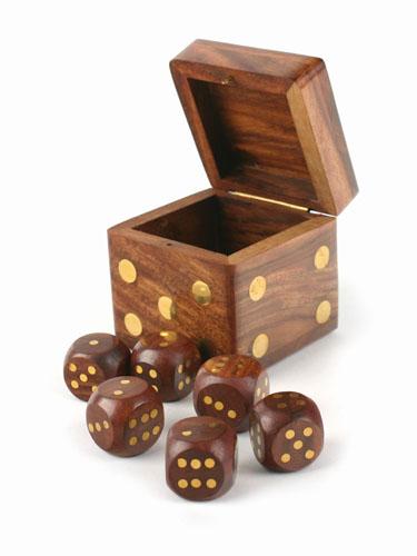 Boîte avec 6 dés