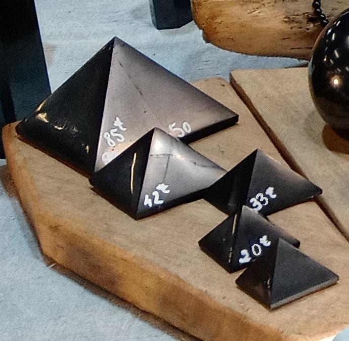 Pyramide 6/7 cm