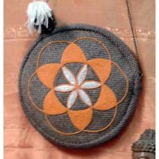 Sac Graine de vie fait main orange et blanc D. 28 cm