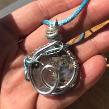 Amulette Agate mousse violette Infiny Blue Mare