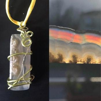 Amulette Agate neige Irisée Sirène d'Or