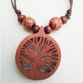 Arbre de vie pendentif en bois de sawo sculpté main petit D. 3 cm