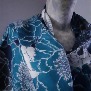 Étole écharpe, deux bleus à imprimés fleuris, en pure cachemire éthique d'Inde