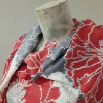 Étole écharpe, rouge à imprimés fleuris, en pure cachemire éthique d'Inde