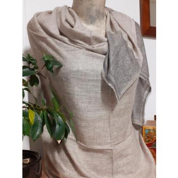 Étole écharpe, taupe avec bord gris, tissage texturé en pure cachemire du Népal