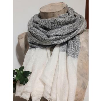 Étole écharpe, gris avec bordure blanche, tissage texturé, pure cachemire du Népal