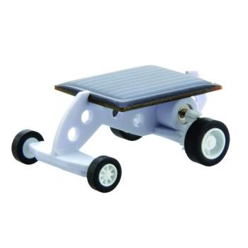 Maquette d'une mini voiture solaire en plastique