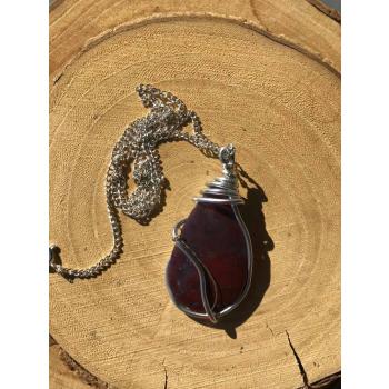 Amulette Douce Vie cabochon Agate mousse Rouge