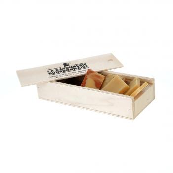 """Coffret """"Douceurs d'Ânesse"""" - 5 recettes de savon de 35 g dans un plumier bois"""