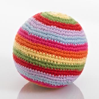 Balle pour bébé - hochet en crochet de coton équitable Pebble