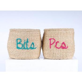 BITS & PIECES - lot de 2 paniers brodés et tissés en sisal équitables