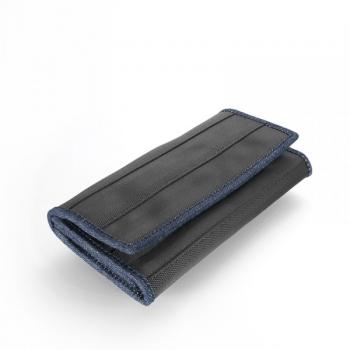 Portefeuille Mélanie en ceintures de sécurité recyclées