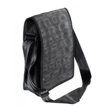 Sac Pierre noir en ceintures de sécurité recyclées