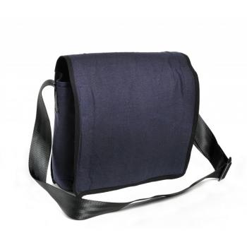 Sac besace  en toile de sac de parachute recyclée couleur bleu marine