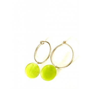 Créoles vertes argent. Boucles d'oreilles artisanales en boutons anciens
