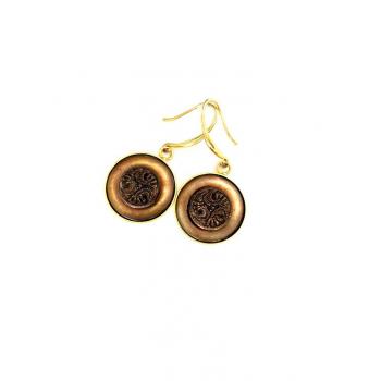 Boucles d'oreilles artisanales brunes en boutons anciens