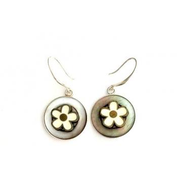 Boucles d'oreilles artisanales Edelweiss en boutons anciens
