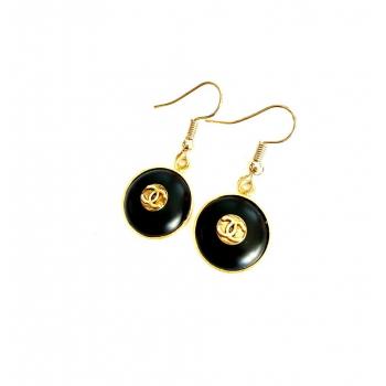 Boucles d'oreilles artisanales en boutons anciens estampillées Chanel