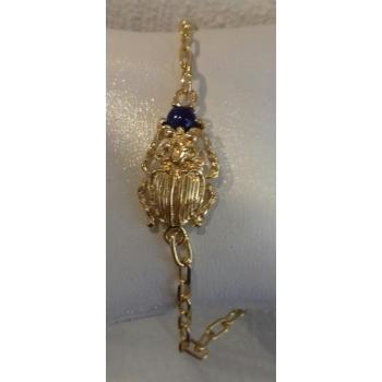 Bracelet chaîne scarabée et pierre Lapis Lazuli plaqué or