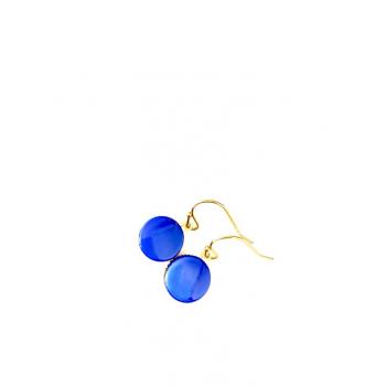 Petites dormeuses bleues. Boucles d'oreilles artisanales en boutons anciens