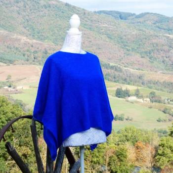 Cape Elégance 77% Mohair 23% Soie couleur Bleu Klein