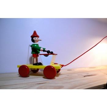 chariot à tirer pinocchio