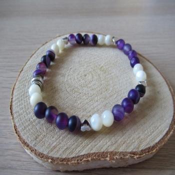 Bracelet en nacre et agate violette dépolie