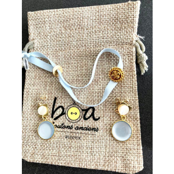 Coffret bleu ciel bracelet et pendants en boutons anciens