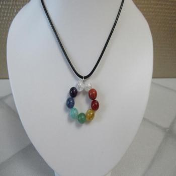Collier 7 chakras et cristal de roche