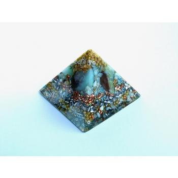 Orgonite pyramide chrysoprase grand modèle