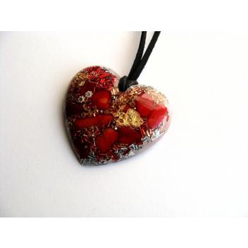 Pendentif orgonite coeur corail