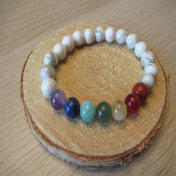 Bracelet en howlite blanche 7 chakras