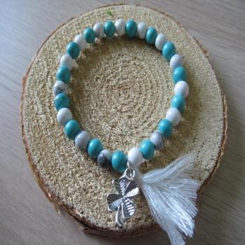 Bracelet en pierre de Howlite blanche et turquoise pompon et trèfle