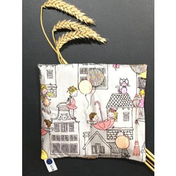 Petite bouillotte au blé biologique ville enfantine