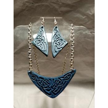 Parure boucles d,oreilles et pendentif, bleue