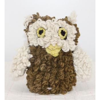 Petite Chouette kaki - peluche en laine filée à la main équitable