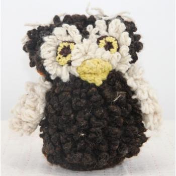 Petite Chouette marron - peluche en laine filée à la main équitable