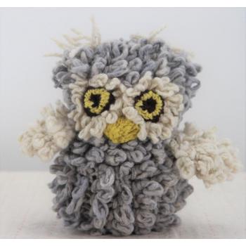 Petite Chouette bleu clair - peluche en laine filée à la main équitable