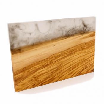 Planche à découper en bois massif d'olivier et résine époxy - plateau de présentation apéro
