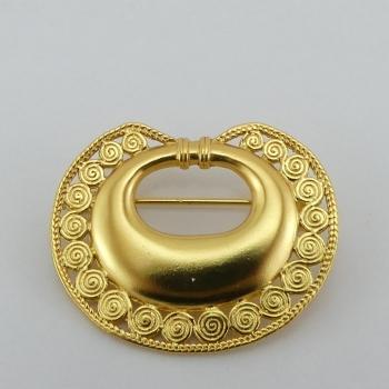 Broche Tairona. Etain et bain d'or de 24 carats.