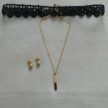 Parure Boucles d'oreilles et collier double