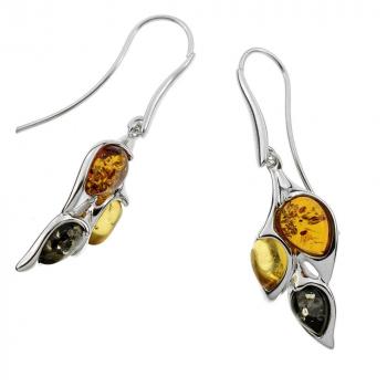 Boucles d'oreilles en ambre cognac sur argent rhodié.