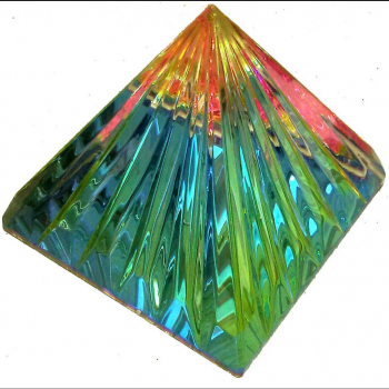 Pyramide Multicolore Coeur Cristal