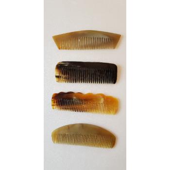 Peignes en cornes divers formes