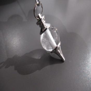 Pendule Tera en cristal de roche